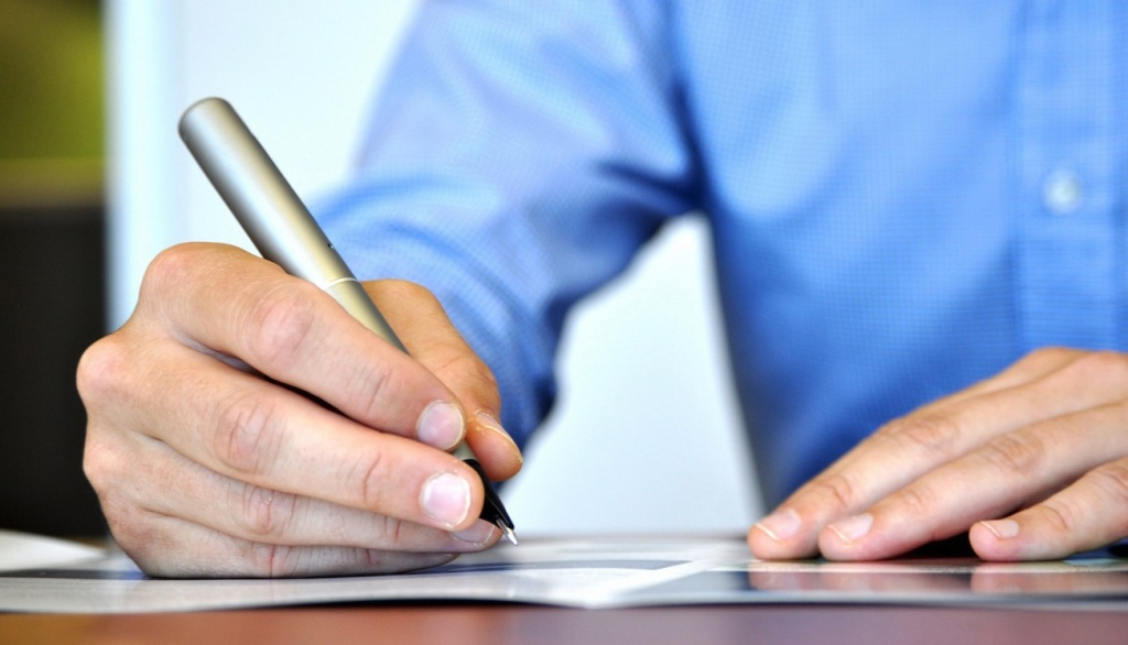 how to write a strong resume that boost job search efforts